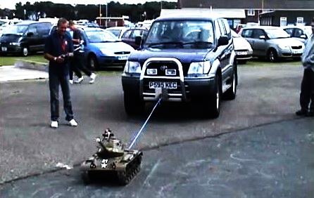 Model Tank Jipi �ekiyor !